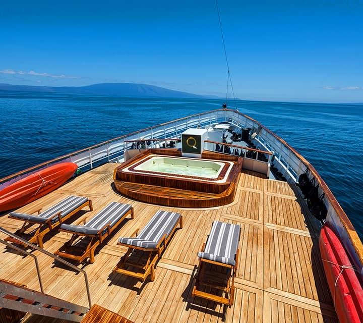 Jacuzzi on Evolution yacht deck