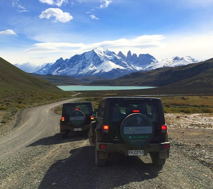 Two Jeeps on a Quasar Patagonia Overland Safari heading towards Perito Moreno