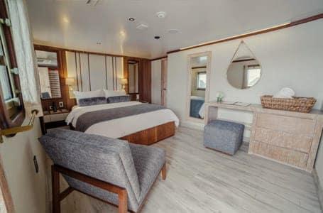 Evolution Yacht Cabin Photos