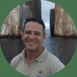 Galapagos Naturalist Guide: Daniel Jácome