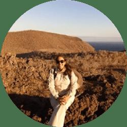 Galapagos Naturalist Guide: Dolores Villacreses