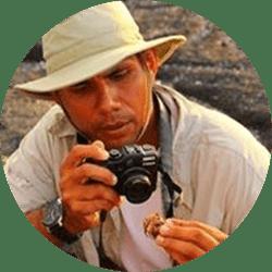 Galapagos Naturalist Guide: Gustavo Andrade