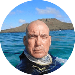 Galapagos Naturalist Guide: Walter Campoverde